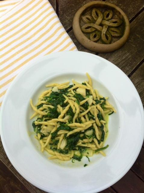 TrTrofie con spinaci, mascarpone, gorgonzola, pere